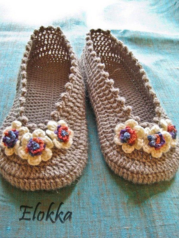 crochet ballerinas with flowers