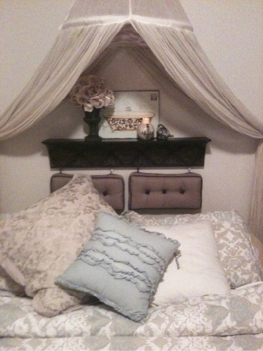 Headboard Idea Diy Cute Maybe Bigger Pillows But Very