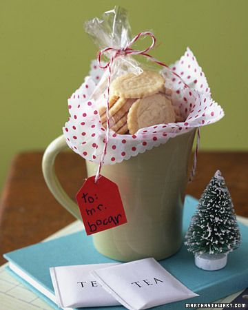 Great small gift idea for neighbors, teachers, friends: A DIY Afternoon Tea Set.