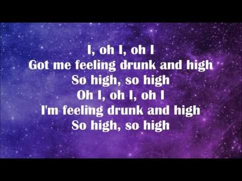 Coldplay - Hymn For The Weekend [lyrics] - YouTube