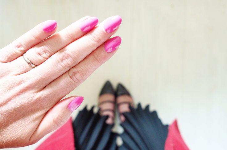 Pink nails, BlogOn & Holding on #LittleLoves