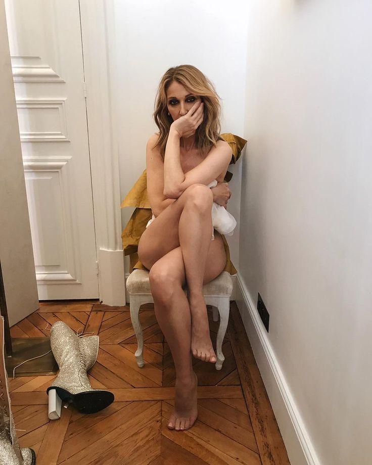 Photos : Céline Dion : à 49 ans, elle pose entièrement nue pour Vogue !