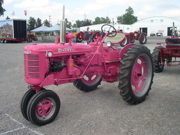 Farmall C, Cancer Awareness Paint.