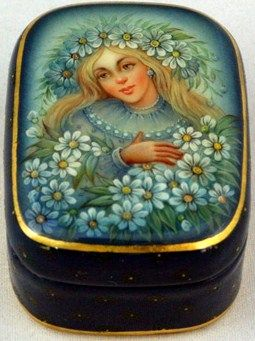 "Fedoskino. Russian Lacquer Art Titled ""Camomiles"" Artist Ekaterina Aldoshkina"