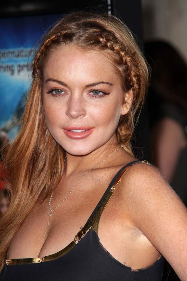 Lindsay lohan is addicted to sex