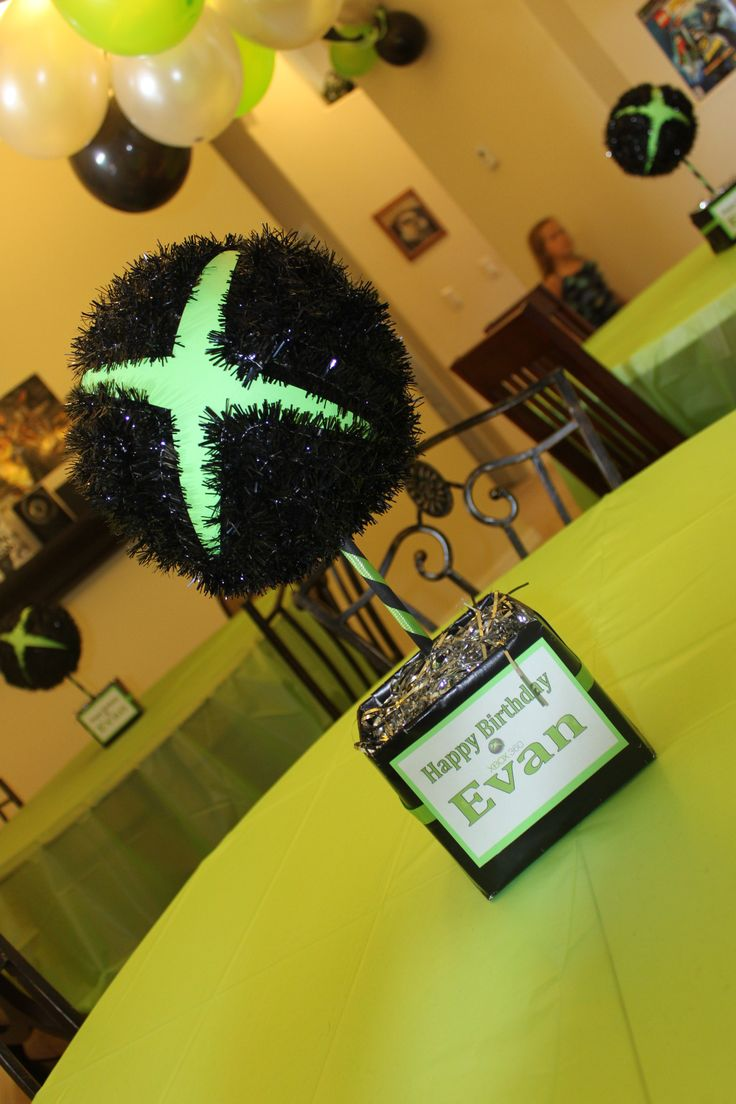 Xbox 360 birthday party table centerpiece me pinterest for Decoracion gamer