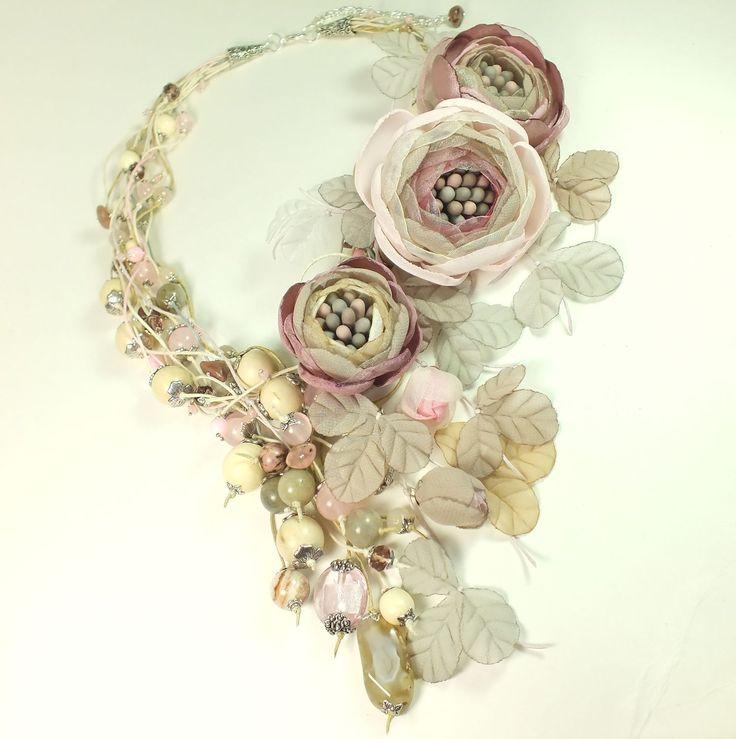 Купить Пудровый Хмель. Колье и три броши-цветка ручной работы - комбинированный, пудровый, розовый