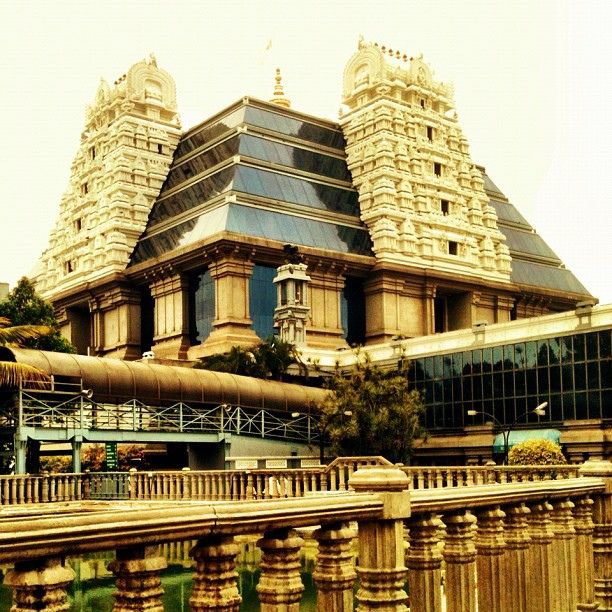 A visit to Iskcon Temple | Read more: http://www.padhaaro.com/blog/25-things-to-do-in-bangalore/
