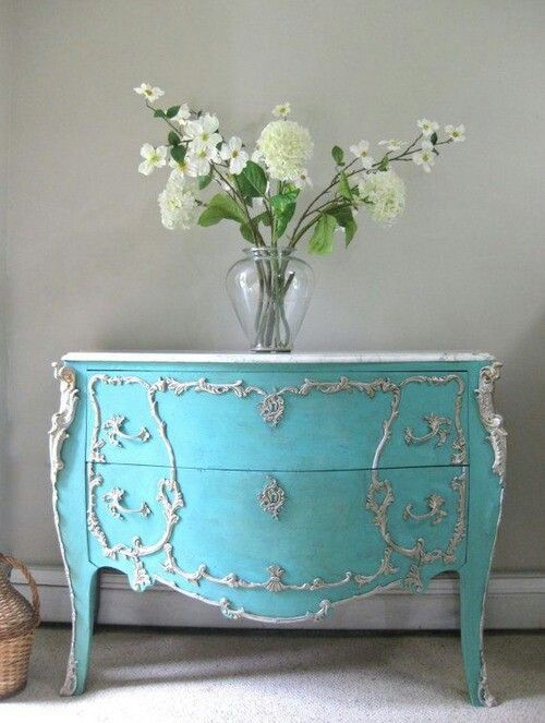 1649 best images about shabby chic on pinterest silver trays antique silver and candlesticks. Black Bedroom Furniture Sets. Home Design Ideas