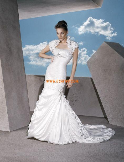 Hala Taft Volánky Svatební šaty 2013