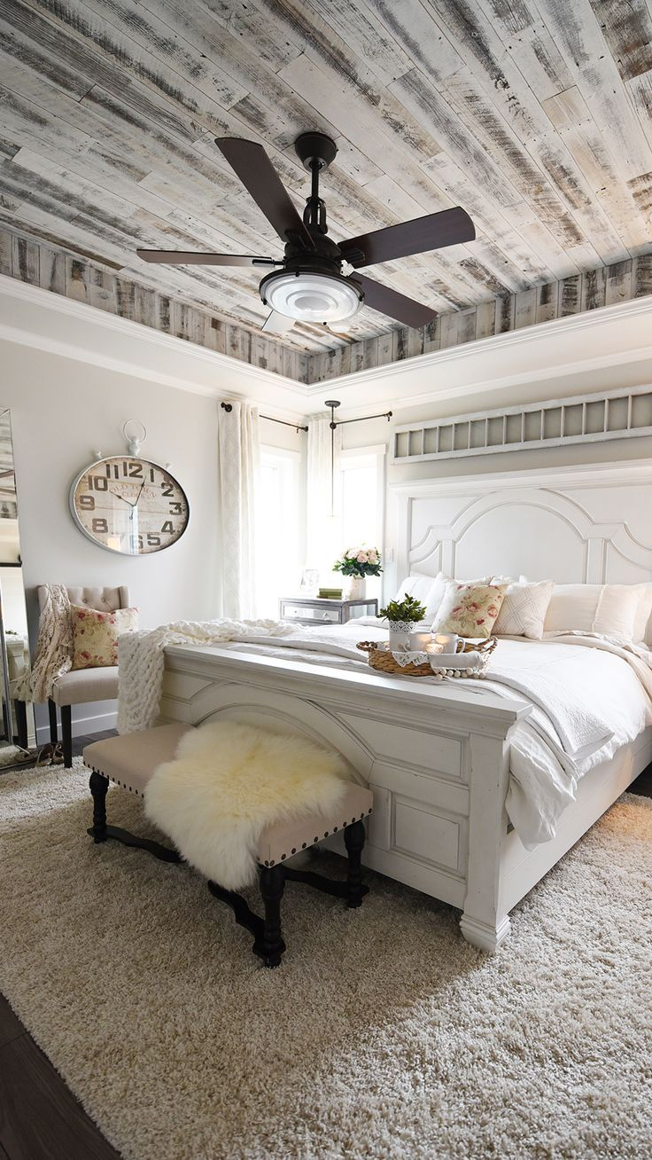 Modern french bedroom decor - Modern French Country Style Bedroom With Rustic Barnwood Ceiling