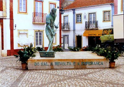 Alcochete - Estátua do Salineiro