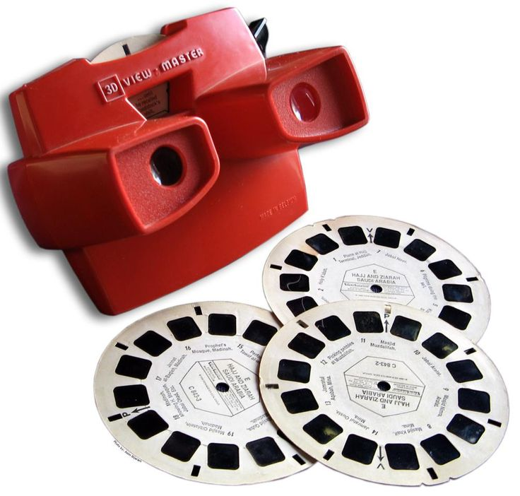 I always thought these were so cool - I had a Viewmaster and a slew of picture cards - Cinderella and other Disneys and The Grand Canyon!!