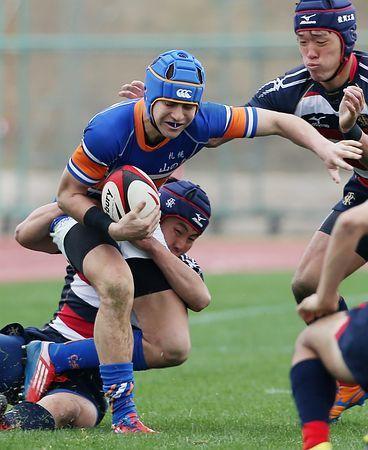 後半、倒される札幌山の手のモリキ・リード(手前)=28日、大阪・花園ラグビー場 ▼28Dec2014時事通信|報徳学園、2回戦へ=佐賀工、大分舞鶴も初戦突破-高校ラグビー http://www.jiji.com/jc/zc?k=201412/2014122800098 #National_High_School_Rugby_Tournament_2014_15 #Hanazono_Rugby_Stadium