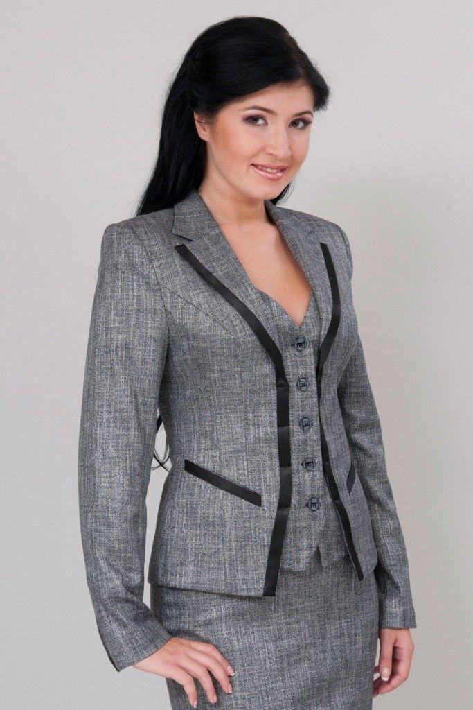 Серый костюм для полных женщин