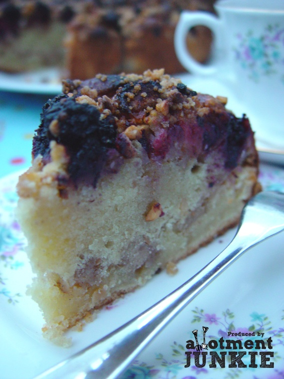 Blackberry and apple cake... Afternoon Tea anyone? | food & drink ...