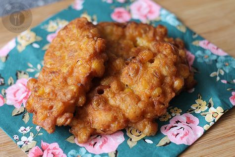 Deze koekjes zijn naar mijn mening het makkelijkste ever van de 'Indofood' recepten. Ze zijn snel klaar en vallen altijd in de smaak! 10 eetlepels zelfrijzend bakmeel 2...