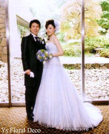 この時の新婦さんよりお写真を頂きました。ブルーの紫陽花を使ったラウンドブーケ。お色直し用としてお持ちいただきました。アイスブルーの素敵なドレス。使い方によ...