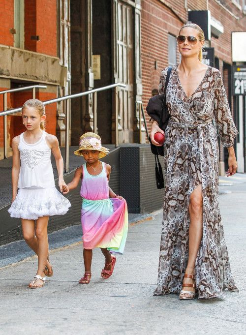 Heidi Klum & Her Daughters Take Manhattan