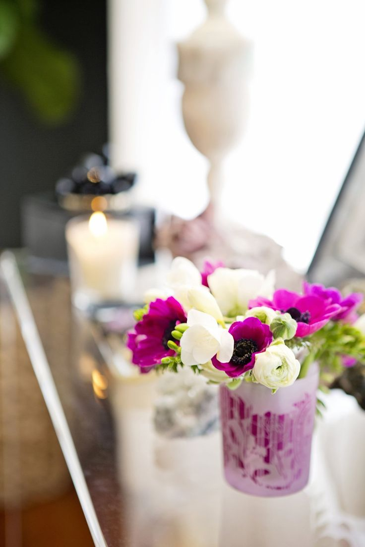 I absolutely love fresh flowers, but when I bring home a big bunch, I often find myself at a loss as to what to do with them. What usually h...