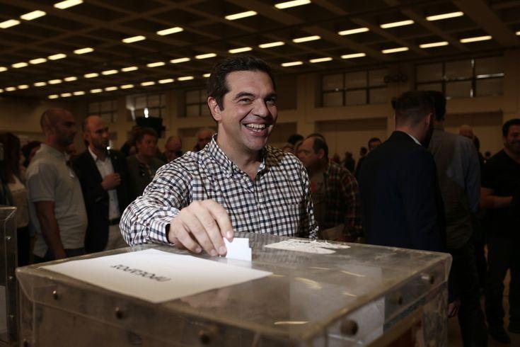 Με 93,54% επανεξελέγη πρόεδρος του ΣΥΡΙΖΑ ο Αλέξης Τσίπρας