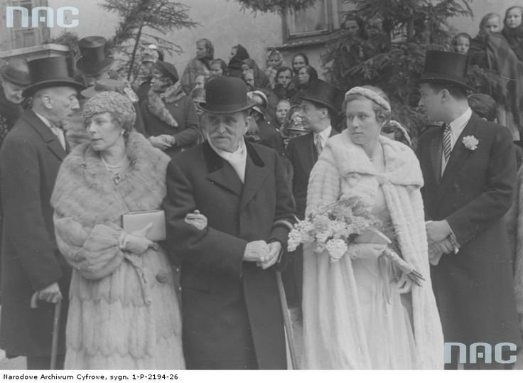 Alice Elisabeth Ankarcrona, the morganatic wife of Archduke Karl Albrecht of Austria (left), Prince Zdzisław Lubomirski (centre), a Princess of the Czartoryski family (of what name?) and Count Stefan Potocki (right) among the guests at the wedding of Count Benedykt Czartoryski and Princess Eleanora Radziwill on April 21st 1938. From the NDA of Poland.