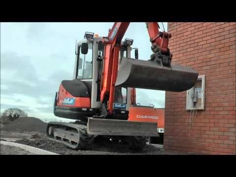 Kubota Excavator - YouTube