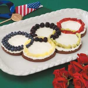 Olympic+Rings+Fruit+Pizza = Yum! Olympics 2012 unit study fun!  http://www.unitstudy.com/Olympics_Study.html