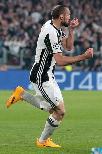Giorgio Chiellini of Juventus FC celebrates his goal during the UEFA Champions League Quarter Final first leg match between Juventus and FC Barcelona at Juventus Stadium on April 11, 2017 in Turin, Italy.