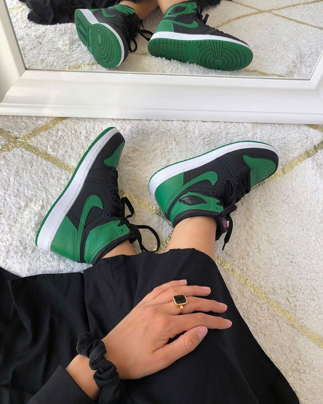 Air Jordan 1 Retro High OG Pine Green Black | Chaussure nike ...