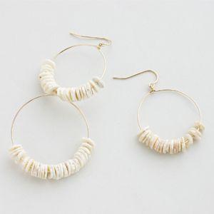 正規販売店♪送料無料♪【RueBelle Designs/ルーベルデザインズ】 Earrings 14k gold filled chain & findings fossilized puka shell カラーShell & Gold【楽天市場】