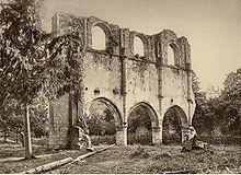 Abbaye des Châtelliers par Jules Robuchon.- 64) L'ABBAYE DES CHÂTELLIERS: .. Parthenay, Poitiers, Saumur (dépôt du Palais de Roure), Avignon ou Dijon, par exemple. - LES BÂTIMENTS CONVENTUELS: ARCHITECTURE ET MOBILIER. AILE OUEST: Correspondant à une campagne d'embellissements ambitieux du premier tiers du XVIII°s (dont les aménagements seront poursuivis de 1760 à 1788 par l'entrepreneur de Saint-Maixent, Pierre Bellat), cette aile resta inachevée au nord (gauche), ...