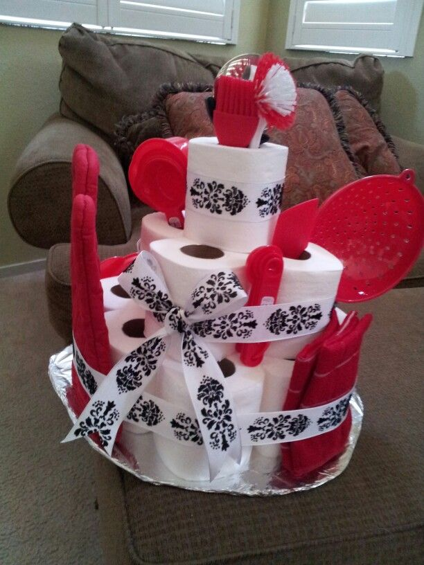 Isn't this housewarming gift the cutest?!  Would probably use paper towels instead of tp though!