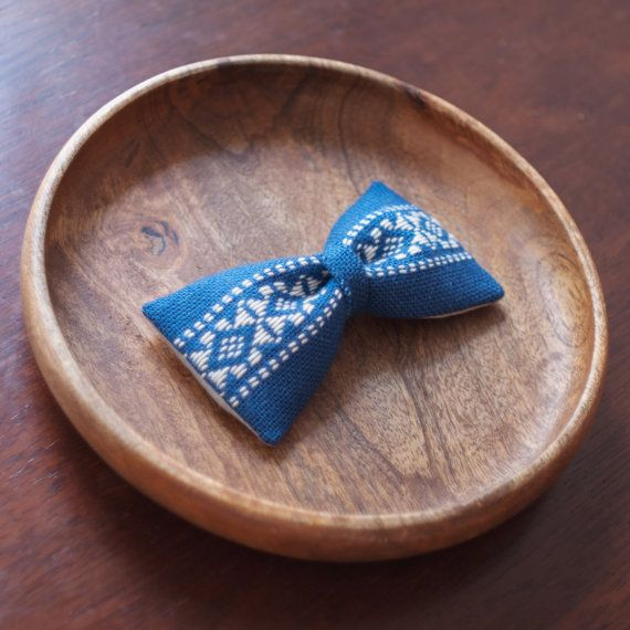 竹の節 | a r t i s a n ・ b o w t i e | an entirely hand embroidered, handmade bowtie, following the Japanese tradition of Kogin Embroidery (こぎん刺し)