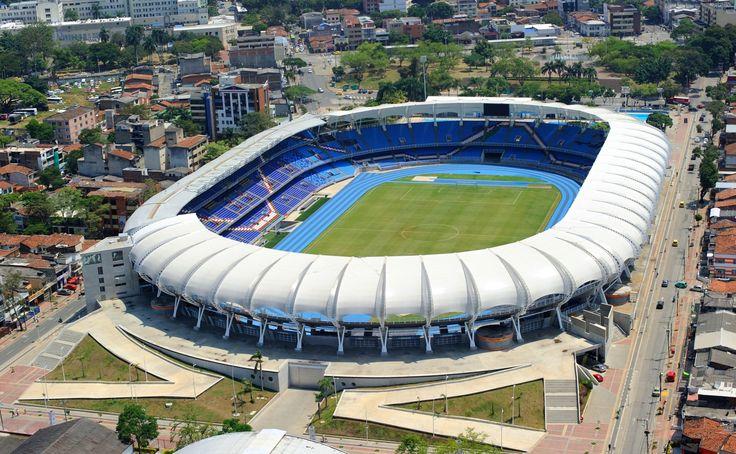 """El Estadio Olímpico Pascual Guerrero es un estadio de fútbol ubicado en la ciudad colombiana de Cali. Tanto el estadio como el complejo deportivo que lo rodea, fueron desde los años cincuenta a setentas uno de los complejos deportivos más completos y modernos de Latinoamérica, razón por la que se acuñó el término """"Capital Deportiva de América"""" para la ciudad"""
