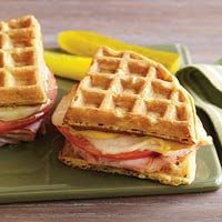 Grilled Ham 'n' Cheese Waffle Sandwiches via @rachaelraymag| rachaelraymag.com: Waffles Sandwiches, Chee Waffles, Waffles Hams, Grilled Hams, Chee Wafflewich, Hams And Cheese, Breakfast Sandwiches, Waffles Breakfast, Grilled Chee
