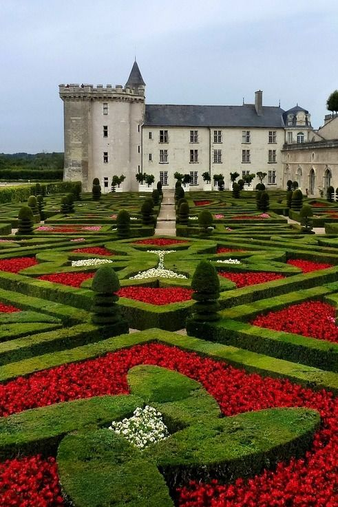 Epingle Par Judith Sur Beautiful Gardens En 2020 Jardin Francais