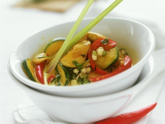 Curry mit Geflügel ist ein Rezept mit frischen Zutaten aus der Kategorie Hähnchen. Probieren Sie dieses und weitere Rezepte von EAT SMARTER!