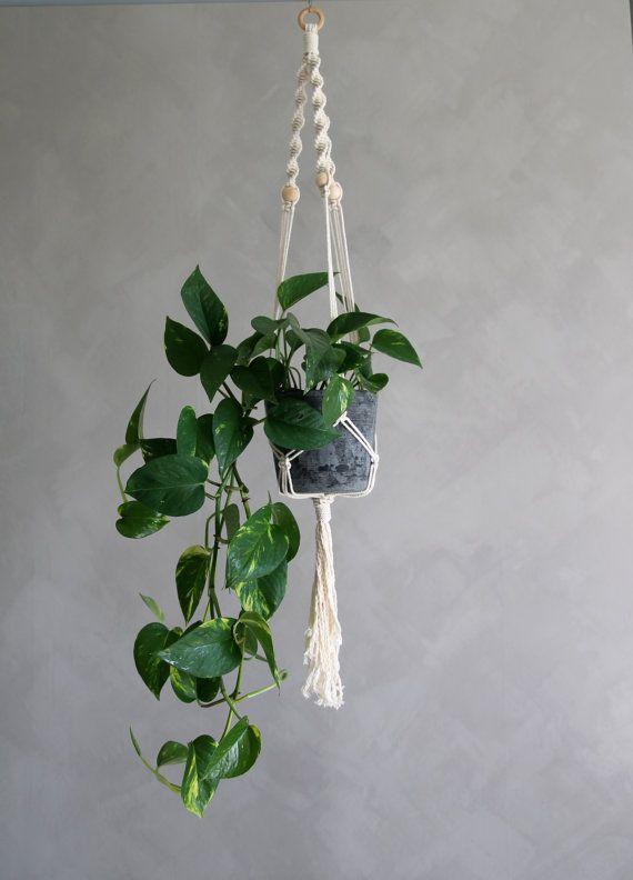 "Macramé Plant Hanger ""Thelo"" - By Helga M. on Etsy / Modern macrame / Boho Macrame / Boho decor / handmade macrame / handmade decor / boho interior"