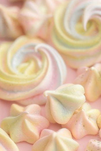 海外では「meringue cookies(メレンゲクッキー)」と呼ばれているようです。