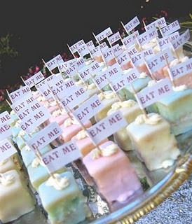 """Alice in wonderland """"eat me"""" cakes! McKenna is going to love her party this year!"""