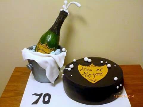 Cumpleaños 70 .con champagne.