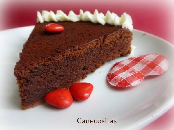 Tarta húmeda de chocolate San Valentín 5