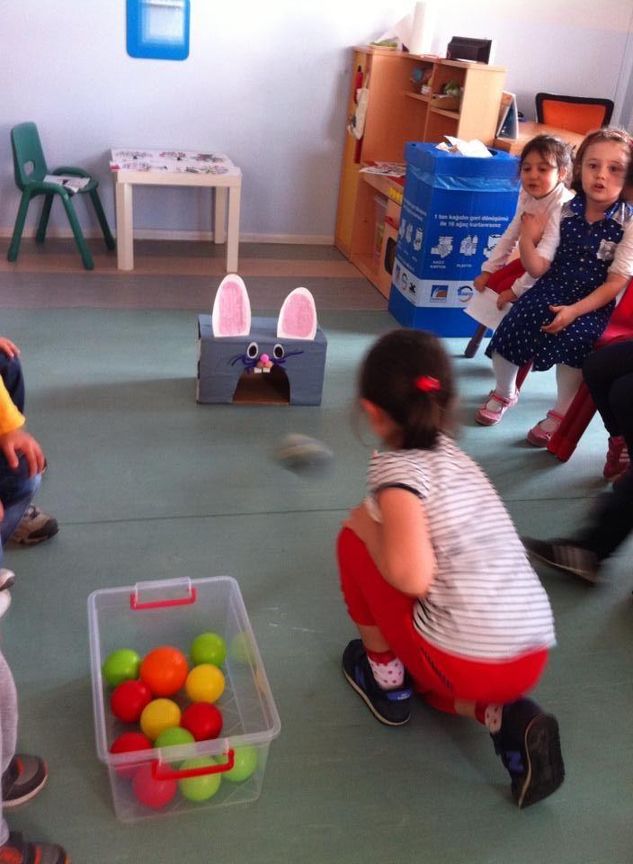 tavşanın ağzına top götürmece