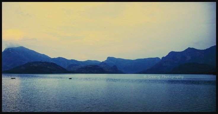 """That heck of a panorama @ Aliyar Dam, Pollachi • • • Roadtrip: Coimbatore - Valparai • • • Location: Pollachi - Valparai Road. Just before the climb to…"""