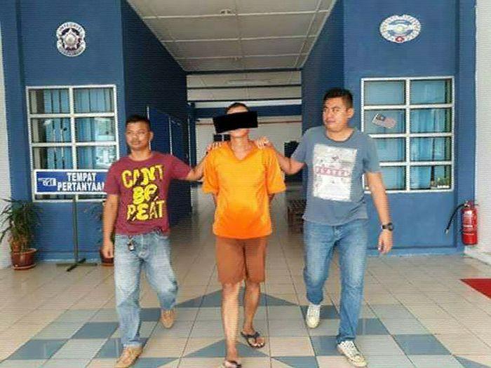 Lahir bayi dalam kereta bongkar sumbang mahram abang dan adik di Betong   PENEMUAN bayi bongkar hubungan sumbang mahram dua beradik. Gara-gara melahirkan anak dalam kereta kisah abang rogol adik di Betong terbongkar semalam.  Menurut Ketua Jabatan Siasatan Jenayah Polis Kontingen Sarawak SAC Dato Dev Kumar kes ini diketahui umum apabila seorang remaja berumur 17 tahun mendapatkan rawatan selepas bersalin di hospital Sri Aman pagi semalam.  Hasil temuduga dengan mangsa mendapati beliau telah…