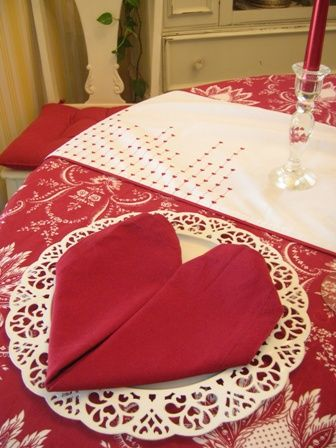 Directions for how to create Valentine Heart Napkins ~ Plus lots of other Valentine's tablescape ideas.