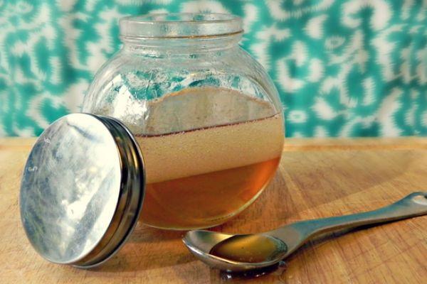 Almaecetes-mézes recept ízületi gyulladás, emésztési zavar és elhízás ellen