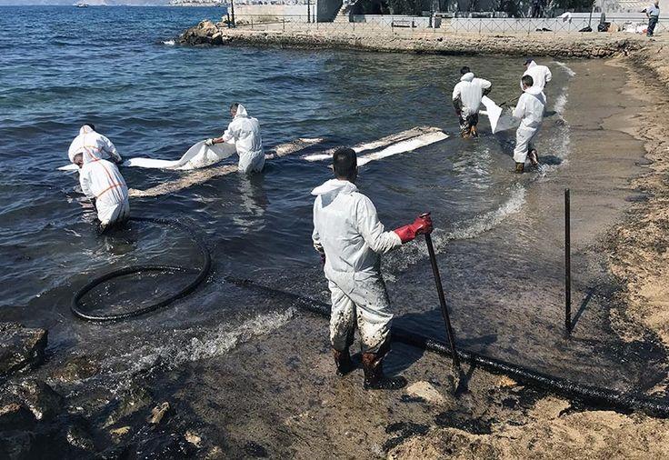 Piraeus Mayor to File Lawsuit Over Oil Spill Damage.