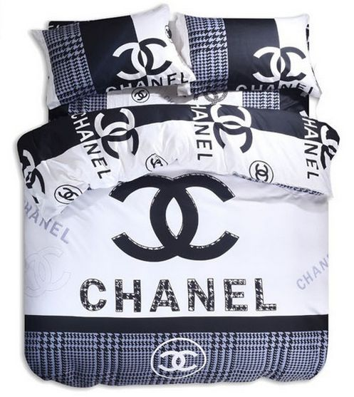cool monis bows n more chanel duvet set different colors with parure de lit chanel aliexpress. Black Bedroom Furniture Sets. Home Design Ideas